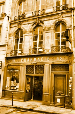 medium_115_RUE_SAINT_DENIS_PHARMACIE_05_SEPIA.jpg