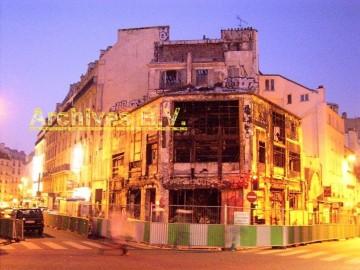 medium_Nouvelle_Athènes_29_mars_7h_moins5_minutes_avant_démolition.jpg