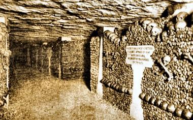 Les Catacombes entrée LARGEUR.jpg