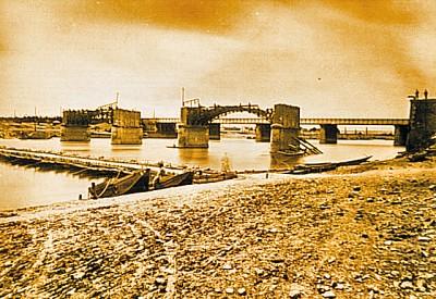 pont d'asniers photo pont de bateaux.jpg