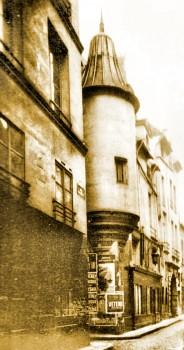 rue Hautefeuille tourelle.jpg