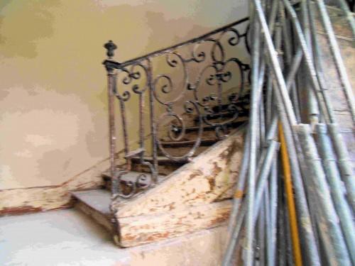 bourdonnais bas escalier.jpg